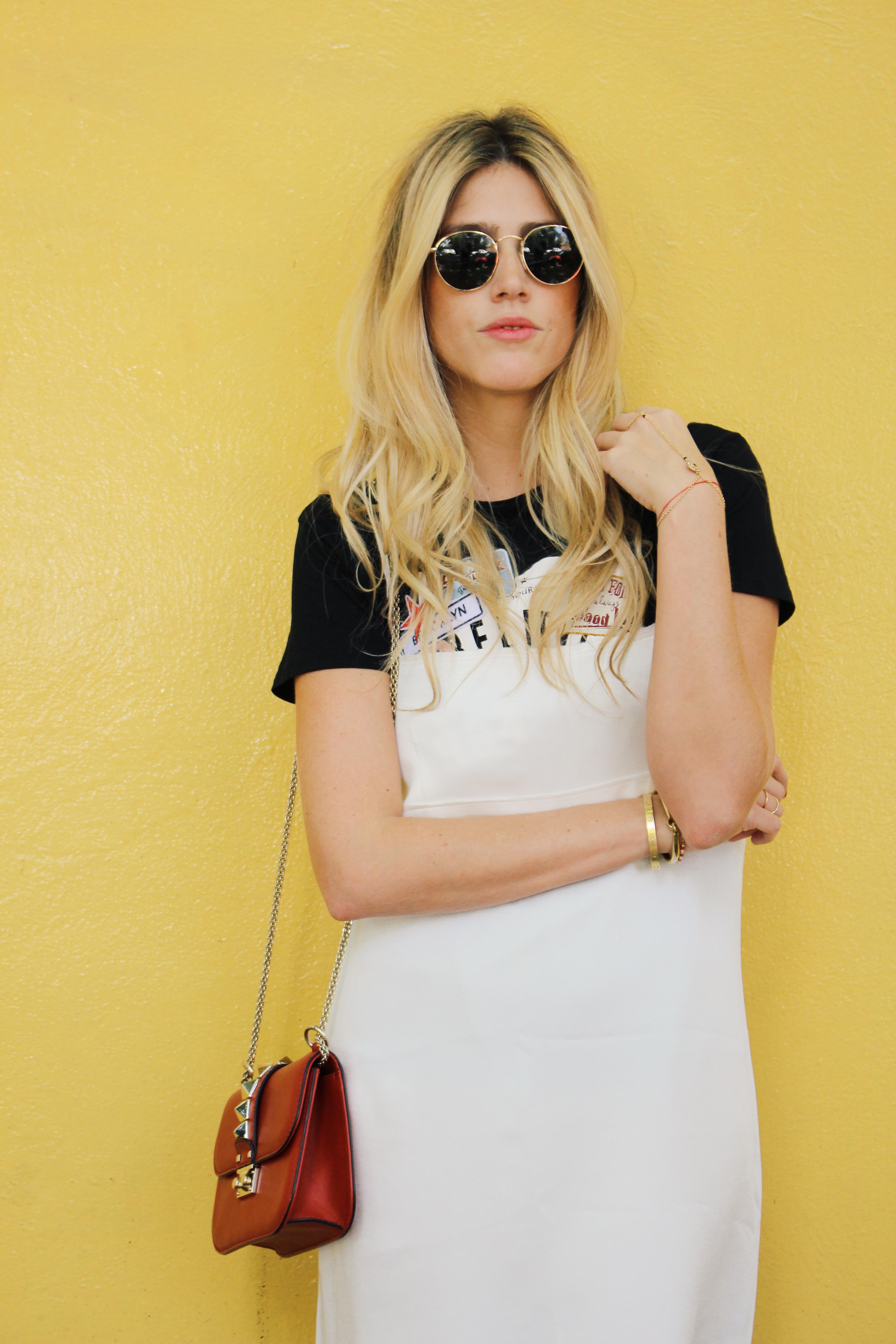 T shirt under dress - T Shirt Under A White Dress