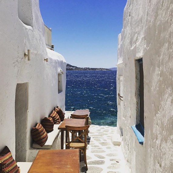 DESTINATION MYKONOS